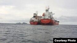 Petroleiros Marida Melissa e Duzgit Integrity ao largo de São Tomé