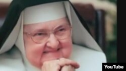 La monja católica estadoundiense madre Mary Angelica fundó en 1981 lo que se convirtió en un imperio de medios.