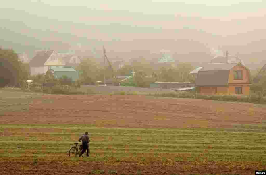 Belarus - Loşani kəndində