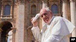 Kiongozi mkuu wa kanisa la Katoliki, Papa Francis.