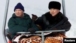 Nursulton Nazarboyev va Islom Karimov Chimbuloq dam olish zonasida... 6-yanvar, 2001