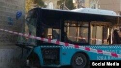 Sumqayıtda marşrut avtobusu qəzaya uğrayıb