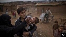 حکومت پاکستان اکنون والدینی را بازداشت می کند که مانع تطبیق واکسین پولیو به کودکان شان می شوند