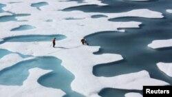 Algunos científicos aseguran que el Océano Ártico sufre directamente las consecuencias del calentamiento global.