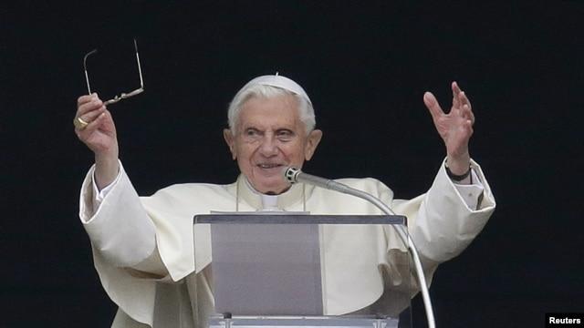 El Papa Benedicto XVI creó por decreto una nueva academia para el estudio del latín.