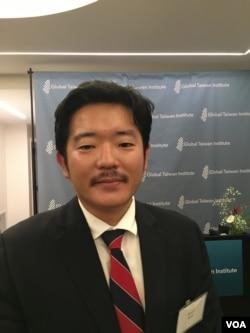球台湾研究中心执行长萧良其