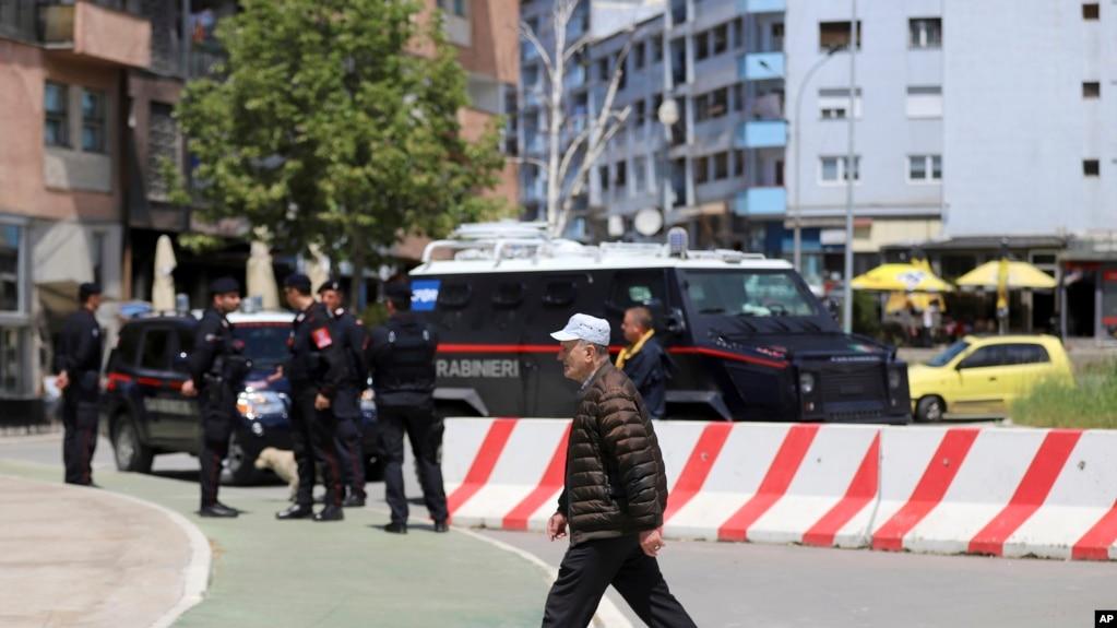 Hetime dhe reagime rreth një incidenti në veri të Mitrovicës