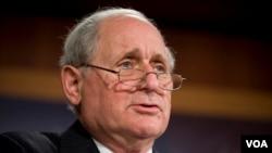 Pour le sénateur Carl Levin, président de la Commission des forces armées, ces intrusions sont très inquiétantes (VOA)