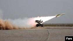 نمونه ای از یک موشک شلیک شده سامانه مرصاد