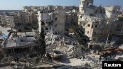 Des bombardements ont touché la ville d'Idlib, en Syrie, le 7 février 2017.