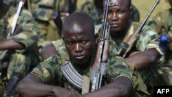 Des soldats nigérians lors d'un entraînement à Makurdi, au Nigeria, le 4 octobre 2017.