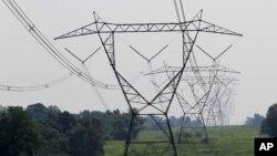 Sebuah proyek kabel listrik yang menghubungkan jaringan listrik Israel, Siprus dan Yunani akan dimulai tahun depan (foto: ilustrasi).