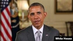 바락 오바마 미국 대통령이 4일 주례 연설에서 미국 독립 기념일의 의미에 대해 말하고 있다.