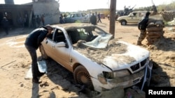 Bạo động vẫn thường xuyên xảy tại nhiều nơi trên khắp Libya, trong đó có hàng loạt vụ ám sát nhắm vào các giới chức an ninh và quân đội cấp cao.