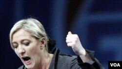 Marine Le Pen, pemimpin Partai Front Nasional Perancis yang juga putri tokoh sayap kanan Perancis Jean-Marie Le Pen,