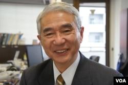 日本防卫监理研究所所长山内敏秀研究中国海军已有20年(美国之音歌篮拍摄)