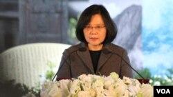 台湾总统蔡英文在228事件70周年纪念活动上讲话(美国之音 杨明 拍摄 )