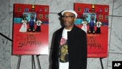 Spike Lee, sutradara terkenal Amerika, banyak menggarap film-filmnya di New York (foto: Dok.).