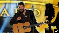 Eric Church trình diễn tại buổi lễ trao giải thưởng nhạc đồng quê