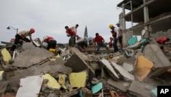 Potraga za preživelima zemljotresa u Ekvadoru