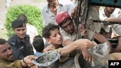 Pakistanda davam edən sellər səbəbindən minlərlə insan didərgin düşüb