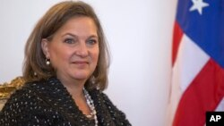 Asisten Menlu AS untuk Eropa dan Eurasia, Victoria Nulland mengatakan AS mempertimbangkan sanksi baru terhadap Moskow.