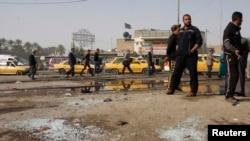 Hiện trường vụ đánh bom tự sát ở khu phố của người Shia tại thủ đô Baghdad, ngày 9/2/2015.