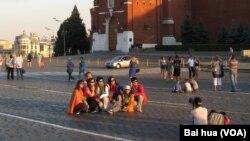 莫斯科红场上的中国游客。俄罗斯屏蔽微信可能影响两国交流。