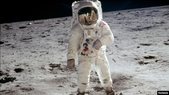 : Astronaut Buzz Aldrin walks on the surface of the moon near the leg of the lunar module Eagle during the Apollo 11 extravehicular activity (EVA).