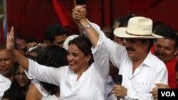 Xiomara Castro, esposa de Manuel Zelaya, buscará ser la candidata a la presidencia de su partido en las elecciones generales de 2013.