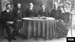 საქართველოს 1919 წლის დამფუძნებელი კრების დეპუტატებს შორის - ქრისტინე შარაშიძე