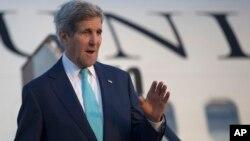 """Ông Kerry nói với các phóng viên: """"Tôi không thể nói với quí vị là chúng tôi có thể đạt được một thỏa thuận hay là chúng tôi gần đạt được một thỏa thuận hay không."""""""