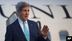 Ngoại trưởng Hoa Kỳ John Kerry đến thành phố Sharm el-Sheikh, Ai Cập để dự hội nghị kinh tế, 13/3/15