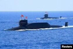 جنوبی بحیرہ چین میں دیکھی جانے والی جوہری توانائی سے لیس ایک آبدوز۔ فائل فوٹو
