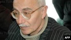 Rafiq Tağı: Bıçaqla vurdu, qaçıb getdi... tövşəyirdi, həyəcanlı idi