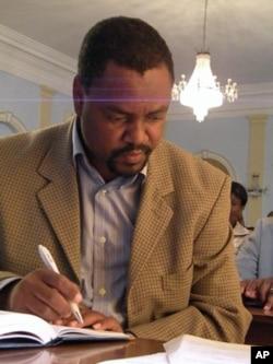 Administrador municipal da Bibala, João Ernesto dos Santos