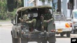 Maafisa wa usalama wakishika doria katika mji wa Mombasa, Kenya ambapo mshukiwa wa ugaidi Jermain Grant alihukumiwa.