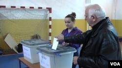 Lokalni izbori u severnom delu Mitrovice (arhivski snimak)