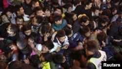 踩踏事件给上海新年罩上阴影