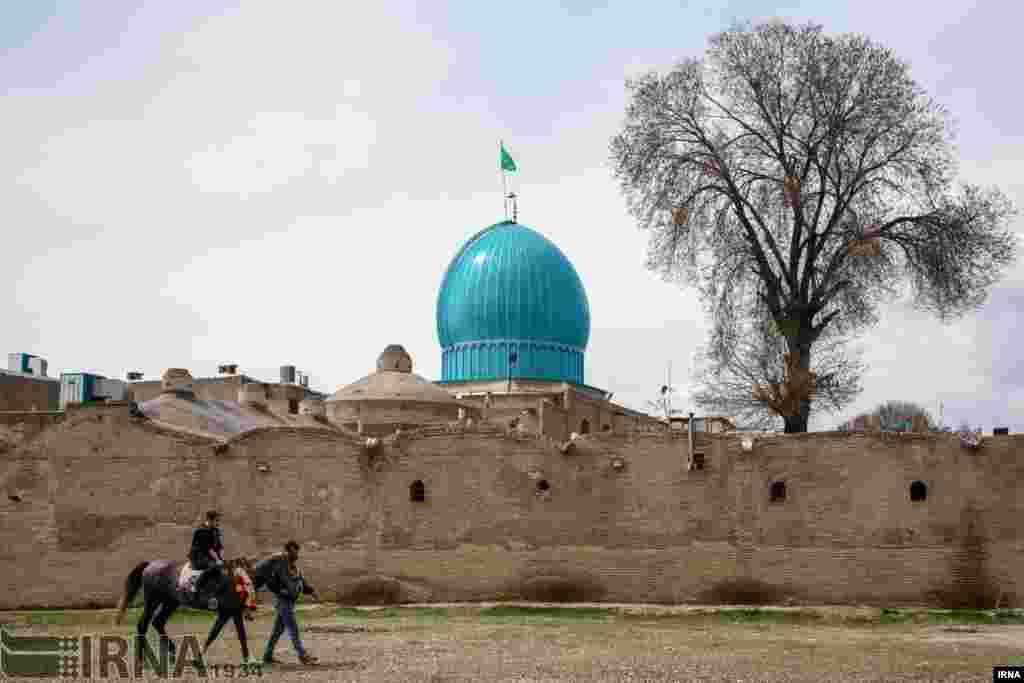 عکسی از شهر قزوین، شهری تاریخی که آثار تاریخی زیادی در آن قرار دارد و در زمان صفویه، ۵۰ سال پایتخت ایران بود. عکس: مرتضی امین الرعایائی