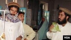 Seorang bocah di perbatasan Pakistan-Afghanistan menjadi korban salah tembak misil AS, dalam insiden terpisah 22 Mei 2010.
