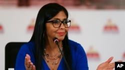 Archivo. Delcy Rodríguez, vicepresidente de Venezuela, niega que flujo migratorio de venezolanos esté motivado por crisis humanitaria.