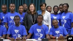 Deputy Assistant Secretary Lee Satterfield and Counselor Cheryl Mills meet with Youth Ambassadors from Haiti in Washington, D.C.