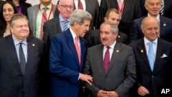 美國國務卿克里10月12日在開羅參加會議的資料照。