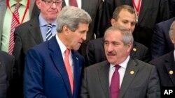 Ngoại trưởng Mỹ John Kerry và Ngoại trưởng Jordan Nasser Judeh.