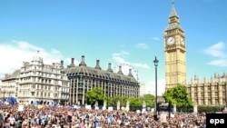 پس از همه پرسی، مردم در شهر لندن مظاهره کردند و خواهان باقی ماندن در اتحادیه اروپا شدند.