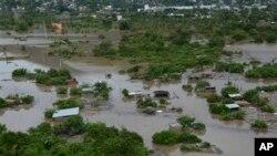 17일 멕시코 아카폴코의 저소득층 가택들이 열대성 폭풍이 몰고온 집중호우로 침수되어있다.