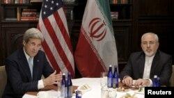 وزیر امور خارجه ایران در سفر به نیویورک با وزیر خارجه امریکا نیز دیدار کرد.