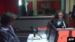 Elbasan: Program në radio i dy vajzave të verbëra