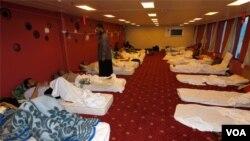 Kapal kemanusiaan yang dikirim ke Misrata merawat puluhan orang yang terluka akibat kekerasan di Libya (4/4).